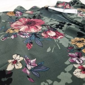 White House Black Market Tops - NWT WHBM top jersey floral green